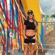 Aos 29 anos e mãe de Lucca, Aline Gotschalg posou nua e exibiu corpo chapado na web