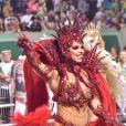 Viviane Araujo brincou sobre fantasia vermelha em desfile de carnaval da Mancha Verde: 'É até estranho'