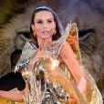 Camila Queiroz brilhou com fantasia futurista ao estrear como rainha do Baile do Copa neste domingo de carnaval, 23 de fevereiro de 2020