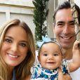 Ticiane Pinheiro publicou foto com filha caçula e marido na web neste domingo, 23 de fevereiro de 2020