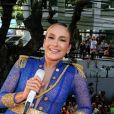 Claudia Leitte agita fãs no carnaval de Salvador