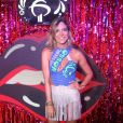 Hot pant e saia de franja no look de Carol Sampaio