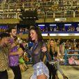 Bruna Marquezine mostrou samba no pé ao desfilar com a Mangueira no Carnaval 2019