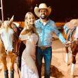 Mulher do cantor Sorocaba, Biah Rodrigues tem compartilhado momentos da gravidez com fãs