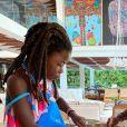 Giovanna Ewbank mostrou filhos, Títi e Bless, fazendo bolo de milho