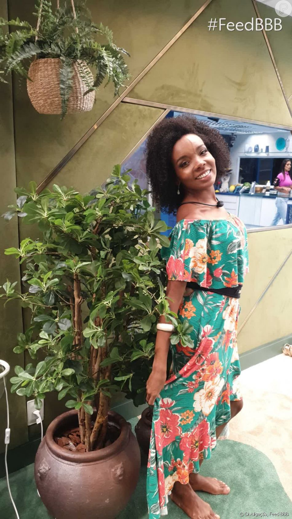 Thelma, do 'BBB20', é fã de roupas florais e prefere peças leves e confortáveis