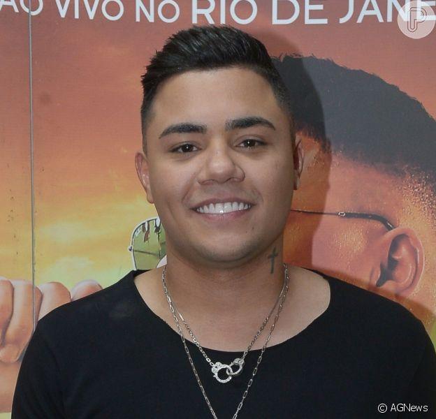 Felipe Araújo dá perdão a Zeca Camargo após comentário do jornalista na morte de seu irmão, Cristiano Araújo, em 2015: 'Momento de infelicidade'