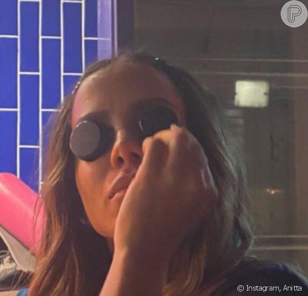 Anitta mostrou apresentador Gui Araújo em sua casa neste sábado, 2 de maio de 2020