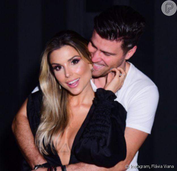 Flávia Viana, noiva de Marcelo Zangrandi, anuncia gravidez em post neste domingo, dia 10 de maio de 2020