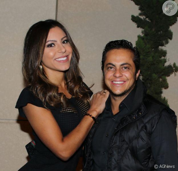 Filho de Thammy Miranda e Andressa Miranda surgiu emnovs fotos vestido de Poderoso Chefinho ao comemorar 4 meses