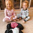 Mariana Bridi se encantou pela foto dos dois filhos com o marido, Rafael Cardoso: 'Meu mundo inteiro'