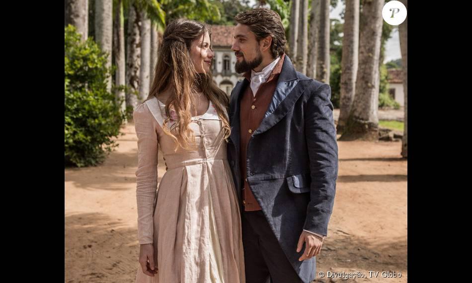 Lívia (Alinne Moraes) e Felipe (Rafael Cardoso) são os protagonistas da novela 'Além do Tempo', mais uma trama a abordar a reencarnação