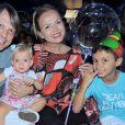 Filhos de Eliana combinaram pijama com a mãe ao rever apresentadora