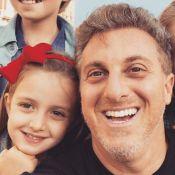 Luciano Huck reproduz vídeo com a filha e tamanho da menina surpreende. Veja!