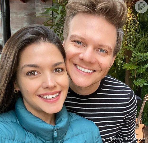 Thais Fersoza 'flagra' Michel Teló na cozinha e elogia prato feito pelo marido nesta sexta-feira, dia 17 de julho de 2020