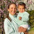 Filha mais nova de Ticiane Pinheiro se diverte em passeio com pet