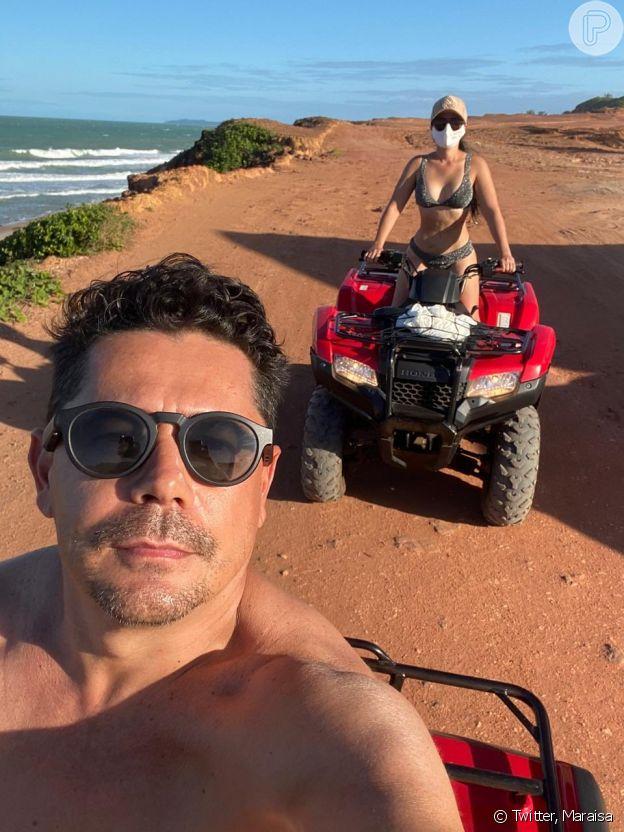 Maraisa anda de quadriciclo com o namorado, Fabrício Marques