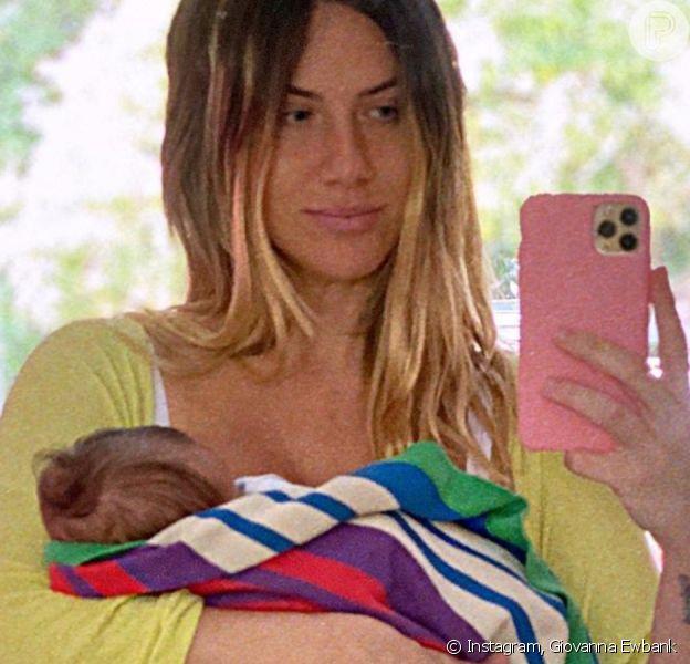 Giovanna Ewbank fica encantada ao em vídeo de 3º filho