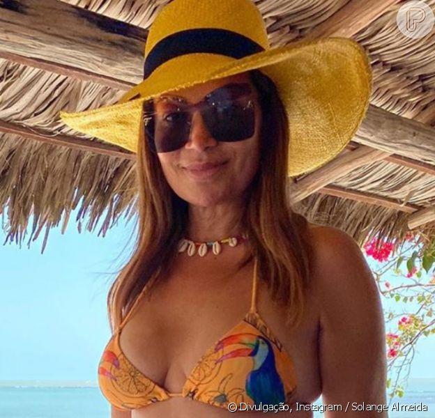 Solange Almeida posa de biquíni do dia do aniversário de 46 anos, em 29 de agosto de 2020