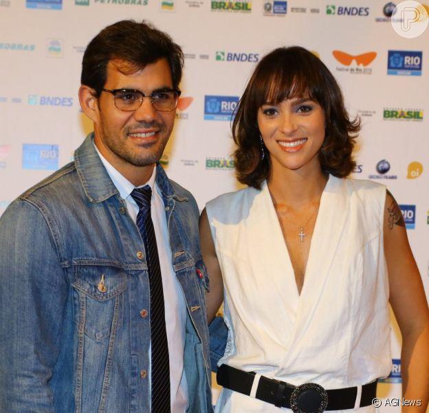 Juliano Cazarré se casa com a mulher, Leticia, grávida pela 4ª vez, em 29 de agosto de 2020