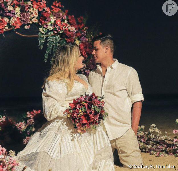 Thayse Teixeira faz casamento íntimo com Eduardo Veloso