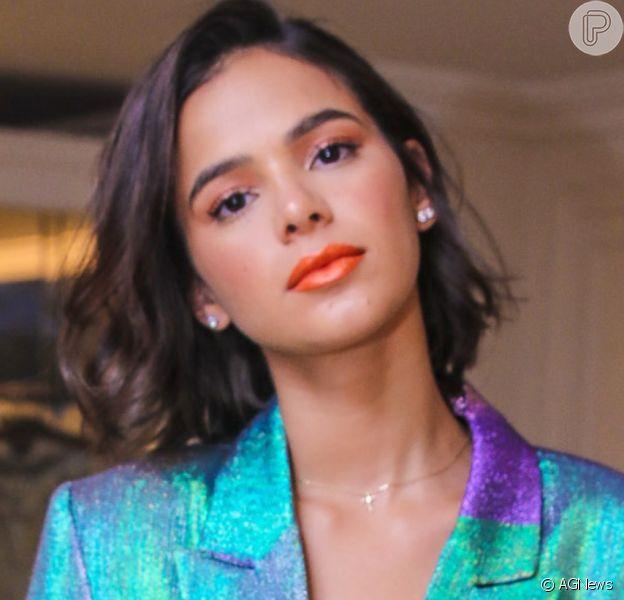 Bruna Marquezine adota cabelo mais curto para acelerar transição capilar