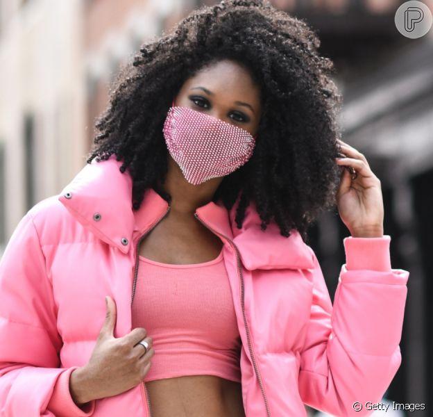Máscara é o novo normal: saiba como incluir no look para garantir o ar fashion?