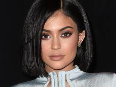 Descubra os produtos de beleza queridinhos de Kylie Jenner e mais famosas!