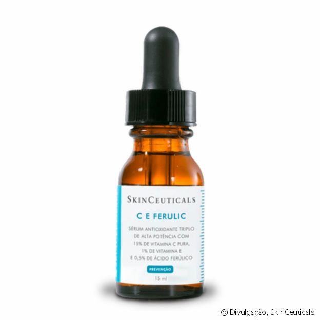 Hailey Baldwin usa o sérum antioxidante SkinCeuticals C E Ferulic (R$ 299,90)