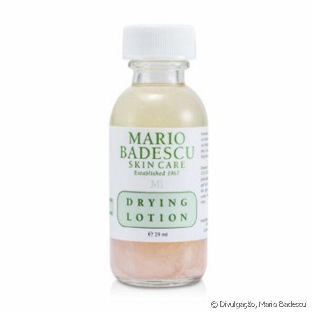 Kylie Jenner aposta em loção Mario Badescu Drying (R$ 199) para acne e manchas