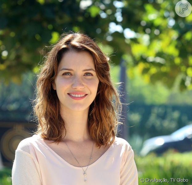 Laura (Nathalia Dill) volta a ter memória e lembra que quer colocar ponto final no noivado com Marcos (Thiago Lacerda)
