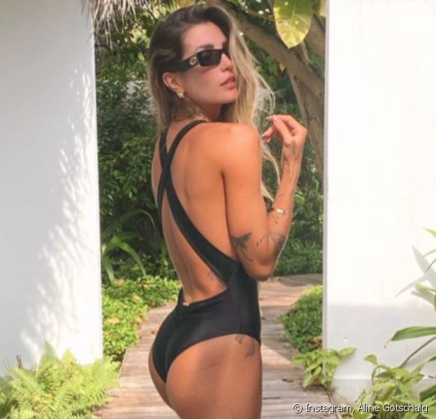 Ex-BBB Aline Gotschalg valoriza corpo em look moda praia
