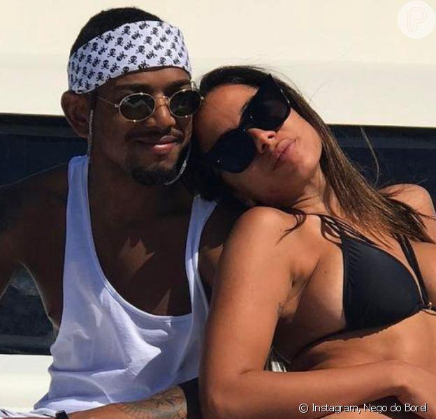 Anitta faz foto sexy com Nego do Borel e rebate críticas