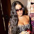 Anitta se fantasiou de Kim Kardashian no Halloween deste ano