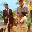 Filho de Carol Nakamura e Guilherme Leonel, Wallace, se emocionou no casamento dos pais