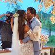 Carol Nakamura e Guilherme Leonel oficializaram o casamento após 2 anos de namoro