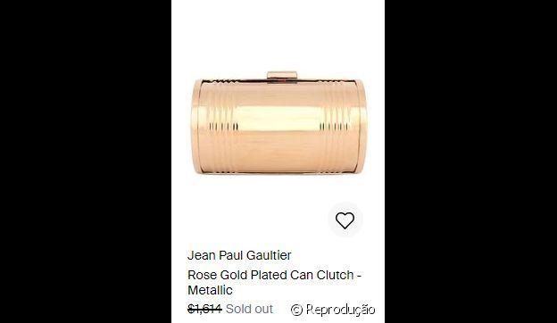A bolsa usada por Anitta é uma clutch Jean Paul Gaultier