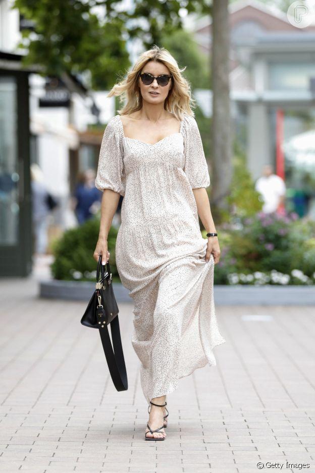 Decote coração faz parte da moda de vestido no verão