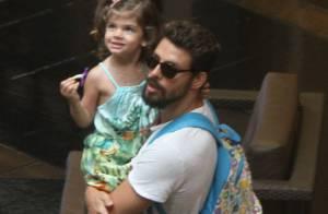 Grazi Massafera e Cauã Reymond são clicados juntos; ator leva Sofia para passeio