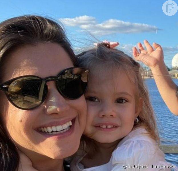 Thais Fersoza postou foto com marido, Michel Teló, e filhos, Melinda e Teodoro, no Dia da Família em 8 de dezembro de 2020