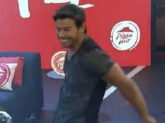 Mariano admite sexo com Jake após 'A Fazenda 12' e comemora boa fase: 'Maior love'