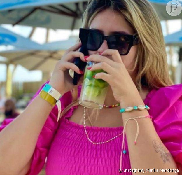 Namorado de Marília Mendonça faz comentário divertido em foto da cantora com drinque