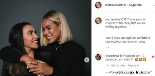 Cris Rozeira comenta na foto das amigas Marta e Toni Deon