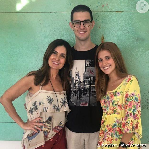 Fátima Bernardes publicou foto com filho, Vinicius Bonemer, e a namorada