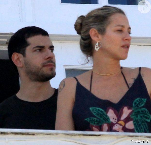 Luana Piovani é vista com novo namorado em hotel da Zona Sul do Rio de Janeiro