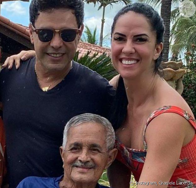 Zezé Di Camargo tatua rosto do pai, Francisco, e nome da mulher, Graciele. Veja!