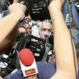 Cantor Belo é solto de presídio no Rio