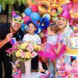 Filha de Zé Neto festeja 9º mesversário em 'Bloco de Carnaval'