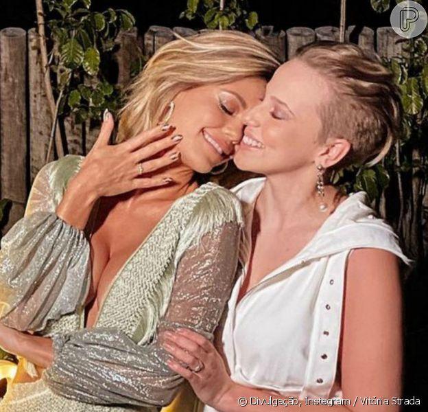 Vitória Strada e Marcella Rica falam de noivado na TV, em 21 de fevereiro de 2021