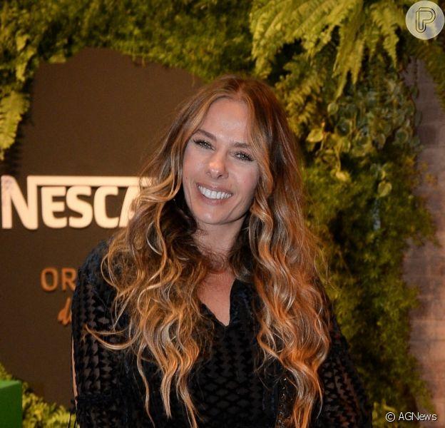 Adriane Galisteu volta à Record TV após 7 anos e irá assumir o 'Power Couple'